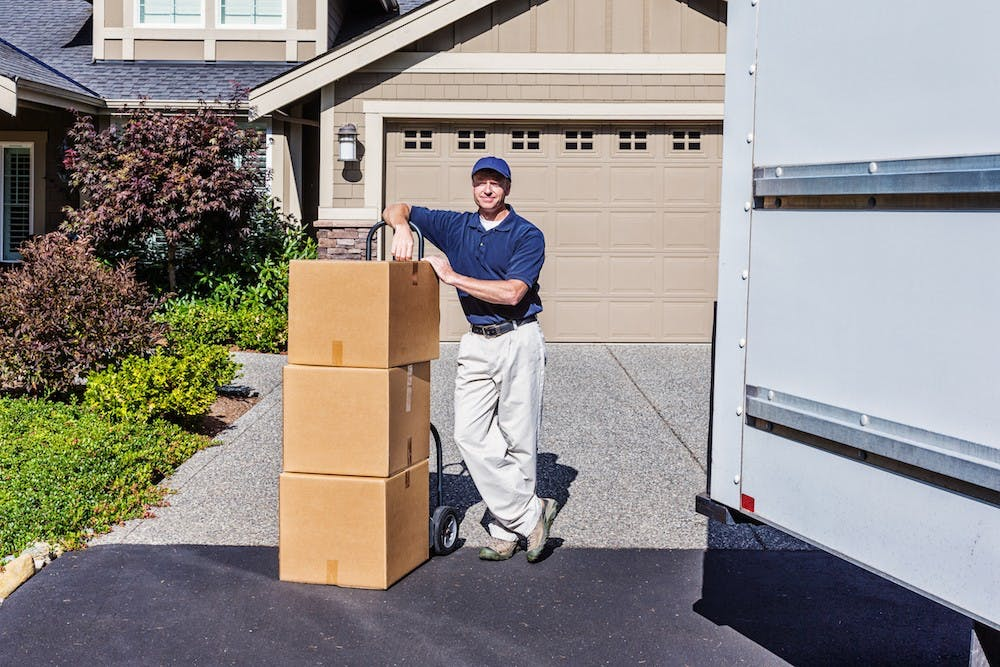 Moving House Checklist (Should you hire a removalist?)