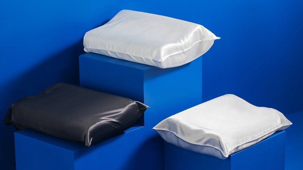 9 Reasons Why a Silk Pillowcase is Good for You
