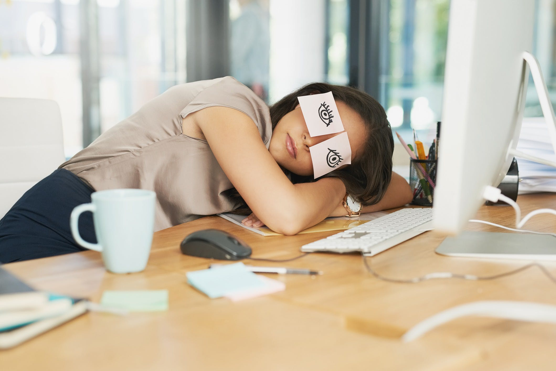 Sleep Better, Perform Better: How to Use Sleep as Your Secret Business Weapon in Physical Isolation