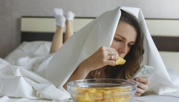 Is It OK to Eat in Bed?